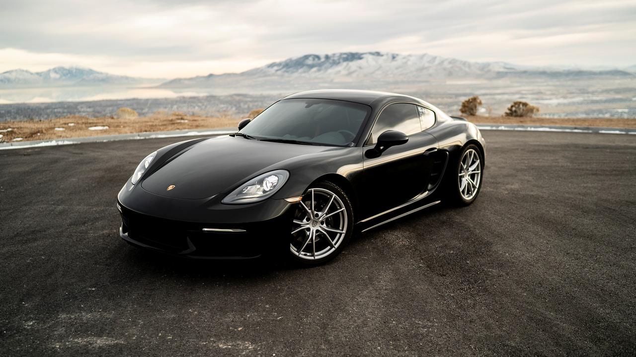 Wynajem luksusowego auta – idealny pomysł na prezent